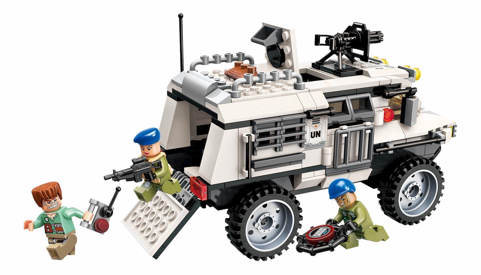 Конструктор Qman «Штурмовой бронетранспортер» 3204 Thunder Mission / 300 деталей