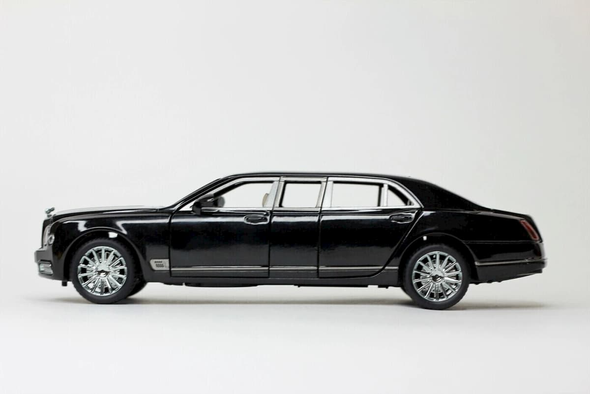 Машинка металлическая XLG 1:24 «Bentley Mulsanne Grand Limousine» M929F 20 см. инерционная, свет, звук / Микс