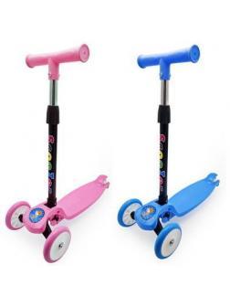 Самокат детский Funky Toys 3-х колесный складной, с регулируемой ручкой