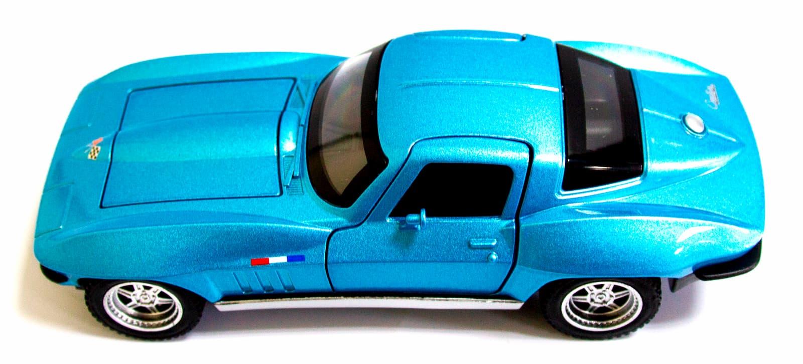 Машинка металлическая Double Horses 1:32 «1964 Chevrolet Corvette C2 Sting Ray» 32411 инерционная, свет, звук / Микс