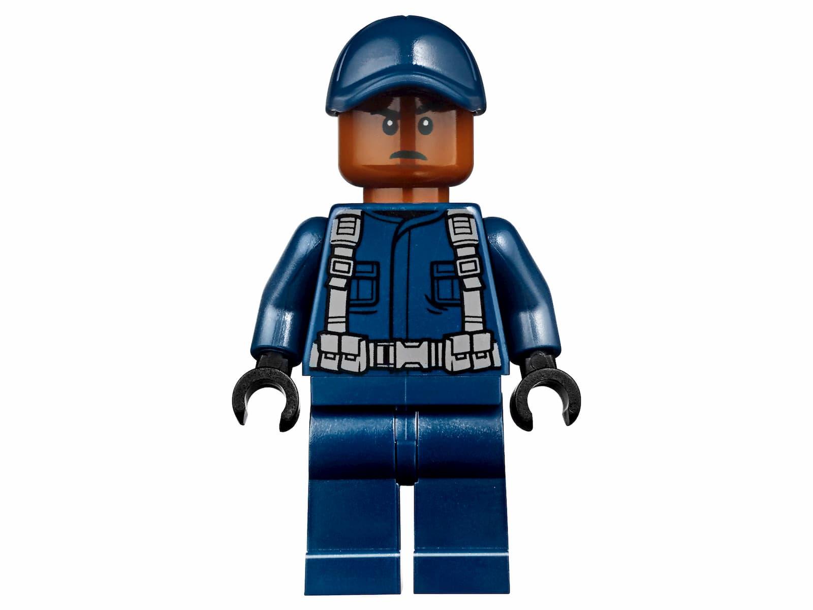 Конструктор LEGO Juniors «Грузовик спасателей для перевозки раптора» 10757