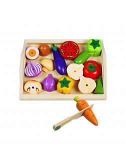Большой набор деревянных продуктов. Овощи с ножом.