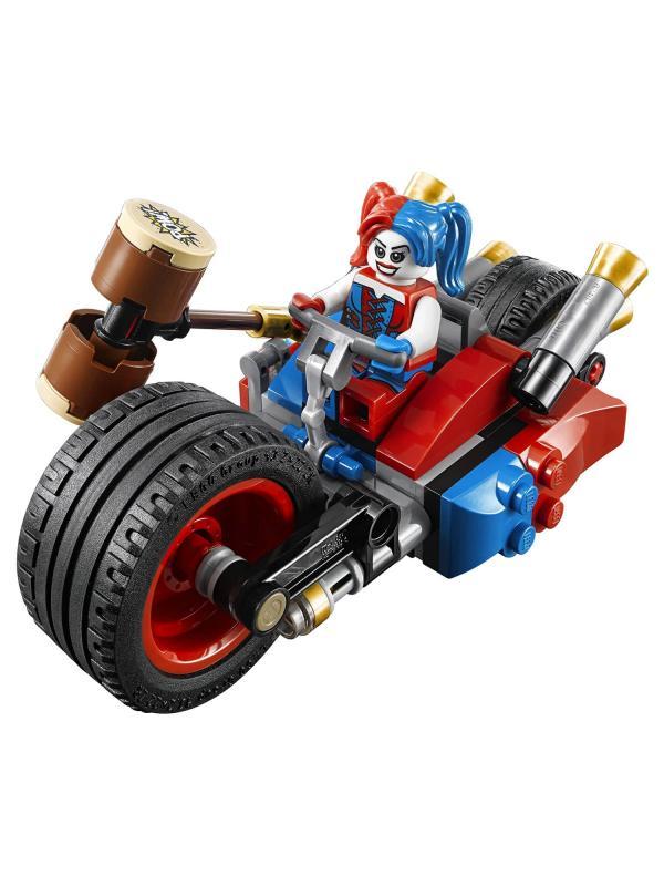Конструктор Lp Super Heroes «Погоня на мотоцикле в Готэм-сити» 07032 (Super Heroes 76053) 212 деталей